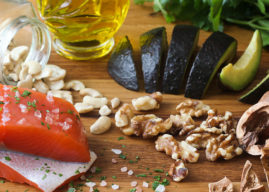 Omega Fatty Acids: The Awesome Little Guide to What You Need